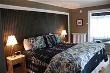 oxford-house-inn-accommodation-porch